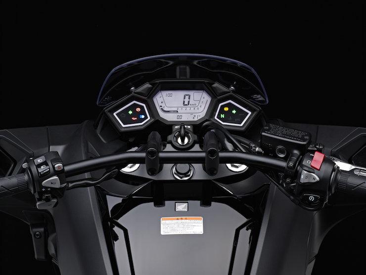 Honda NM4 Vultus3