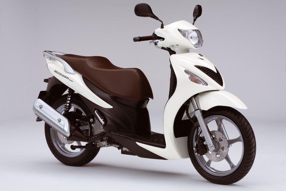 Suzuki SIXteen 125