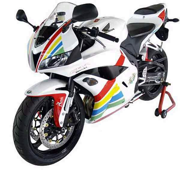 Honda CBR600RR Ian Hutchinson TT Replica