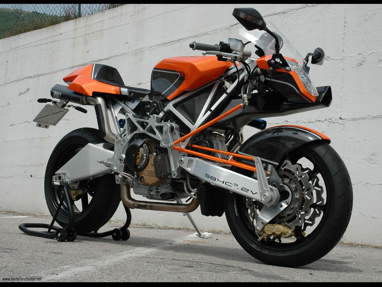 Vyrus 987 C3 4V – najszybszy motocykl świata