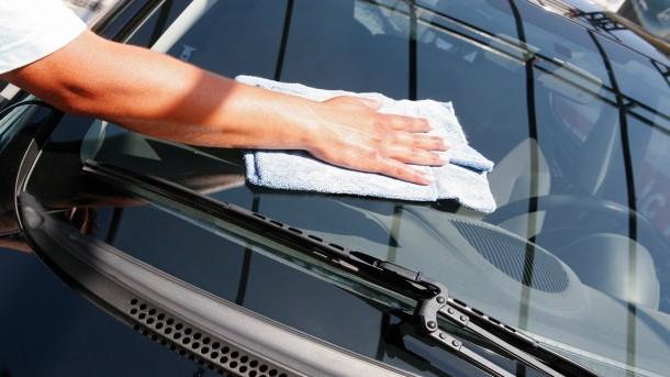 Jakie są funkcje szyby samochodowej?