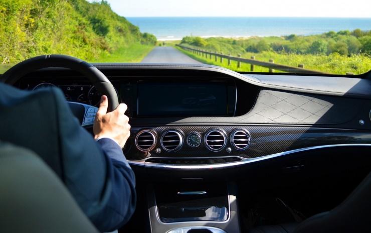 Użytkujemy wynajęty samochód – jakich zasad musimy przestrzegać?